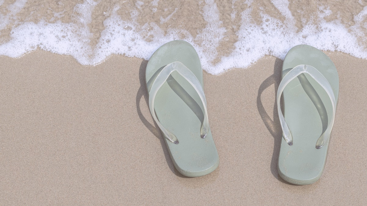 flipp flops on the beach